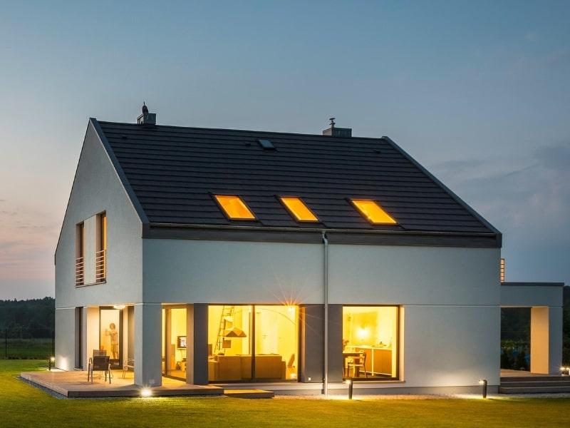 construction d une maison a etage avec jardin
