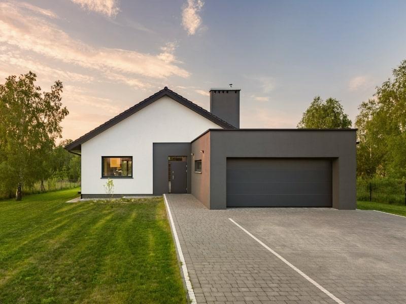 Extension d une maison avec un garage par un courtier en travaux homy conseil