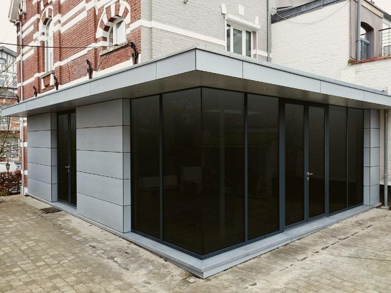 agrandissement d une maison en acier et en verre