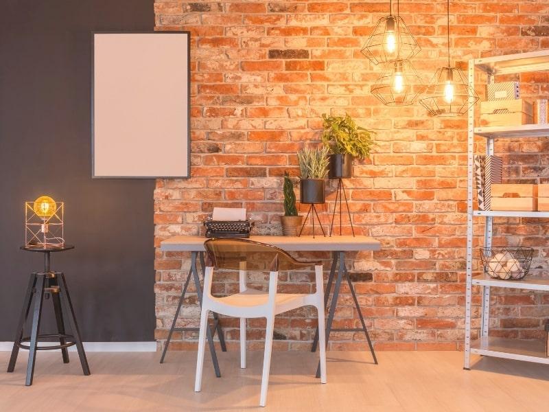 decoration interieure d un bureau avec pose de plaquette de parement en briques
