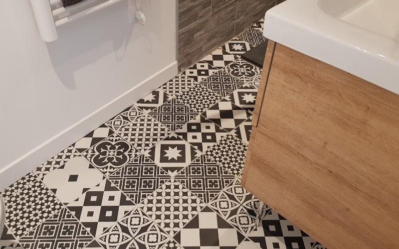 salle de bain apres travaux de renovation